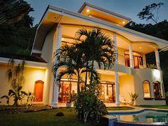 VRBO.com #915797 - Breathtaking 45 Km Ocean Views! Private 7 Acre Luxury Estate, 5 Bdrm, Central Ac