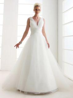 Vestido de Casamento Comprido em Tule com Decote em V - BRL R$ 419.06