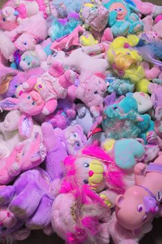 kawaii pastels images, image search, & inspiration to browse every day. Retro Toys, Vintage Toys, Grunge Party, Cute Snacks, Cute Bedroom Ideas, Kawaii Room, Kawaii Cute, Kawaii Stuff, Childhood Toys