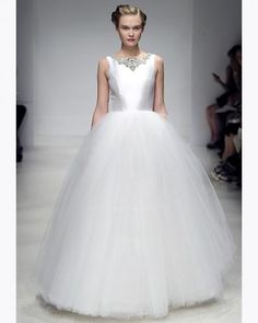 Amsale-fall2012-wd108109-007 vert New Wedding Dresses 7002cac3af2f