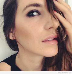 Art smokey eye makeup for women