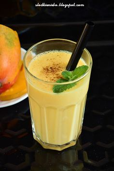 Mango Lassi - Koktajl z mango, jogurtu z nutą kardamonu Mango Lassi, Smoothie, Fit, Kitchen, Cooking, Shape, Kitchens, Smoothies, Cuisine