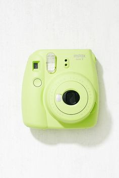Slide View: 1: Fujifilm Instax™ Mini 9 Lime Green Instant Camera Fujifilm Instax Mini, Instax Mini Camera, Fuji Instax Mini, Polaroid Instax, Poloroid Camera, Accessoires Mini, Instant Photo Camera, Camera Aesthetic, Selfies