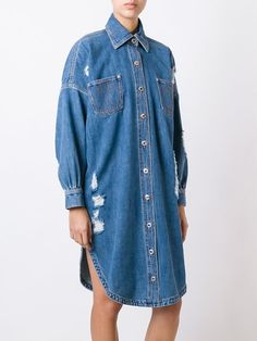 Moschino Jeanshemdkleid in Distressed-Optik Moschino, Designer, Denim Jeans, Shirt Dress, Casual, Shirts, Outfits, Shopping, Dresses
