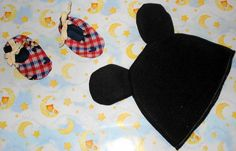 Baby Beanie Bib and Booties set by IsabellesAttic on Etsy, $12.00