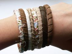 Easy to make Fall bracelets. Bangles, Bracelets, How To Make, Leather, Collar, Jewelry, Easy, Tela, Accessories
