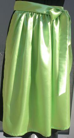 Trachtenmode - Dirndlschürze Satin apfelgrün - ein Designerstück von Pflederl bei DaWanda