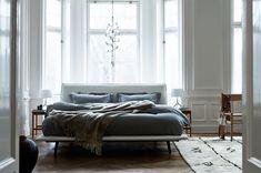 minimalistic bedroom via fashionsquad.com