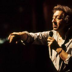 Especial #SergeGainsbourg en: ACOUSTIC #Música #MúsicaFrancesa #DomingoMusical Homenaje a Serge Gainsbourg desaparecido hace 25 años: La Gran Sophie interpreta algunos de sus mejores temas para recordarlo. #artista #cantante #fumadordehabana #amor #homenaje #paraescucharya #leyendafrancesa