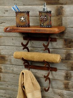 western home decorating ideas | Rustic Horseshoe Towel Holder - Reclaimed Furniture Design Ideas
