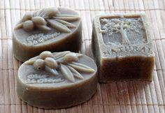 Benke Erika - természetes szappanok és kozmetikumok: Olíva-babér szappan Home Made Soap, Bath Bombs, Pudding, Homemade, Desserts, Food, Diy, Natural, Homemade Dish Soap