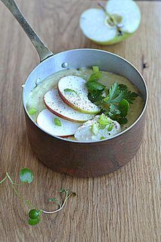 Zupa z jabłkiem, cydrem, pasternakiem i chrzanową śmietaną