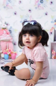 Cute Kids Pics, Cute Baby Girl Pictures, Baby Girl Images, Cute Girl Pic, Cute Baby Smile, Cute Funny Babies, Baby Love, Cute Babies Photography, Cute Baby Wallpaper