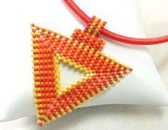 Peyote pattern for Hot Chilli pendant by daxbeadartpatterns, $6.00
