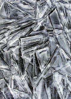 Imagem: Gelo e neve são capazes de formar infinitas formas (© Warren Krupsaw/Solent News/Rex Features)
