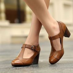 vintage shoes Vintage Plain Chunky High Heeled Round Toe Date Travel Pumps # We offer to you womens clothing, shoes, jewelry, bags and much more. High Heels Stilettos, Women's Pumps, Low Heels, Platform Pumps, Ankle Strap Heels, Ankle Straps, Shoes For School, Frauen In High Heels, Chunky High Heels