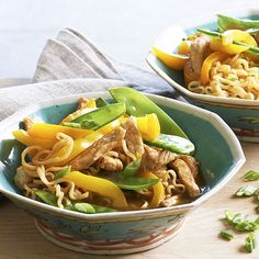 This easy pasta skillet starts with pork and ramen, and finishes with a zippy hoisin sauce. Add a crunchy pop of color with snow pea pods and sweet yellow peppers./