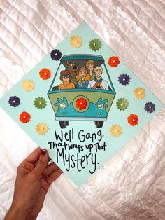 Disney Graduation Cap, Funny Graduation Caps, Custom Graduation Caps, Graduation Cap Toppers, Graduation Cap Designs, Graduation Cap Decoration, Graduation Diy, Graduation Quotes, Decorated Graduation Caps