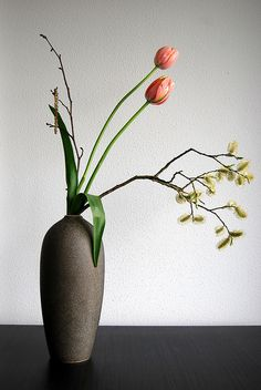Ikebana 'Leaping salmon' by Otomodachi, via Flickr