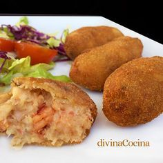 Receta de croquetas de marisco These seafood croquettes can be prepared to your liking with different ingredients. Here you have the easy recipe and many ideas to make them. Cuban Recipes, Quick Recipes, Seafood Recipes, Cooking Recipes, Tapas, Croquettes Recipe, Cuban Cuisine, Spanish Dishes, Salty Foods