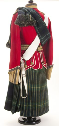 A BRITISH (SCOTTISH) UNIFORM OF A LIEUTENANT OF THE GORDON HIGHLANDERS, first…