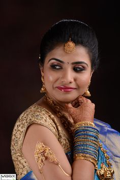 southindian bride wearing nakshi haram and necklace, bridal makeover by magixspa.