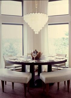 Round Dining Room Furniture Lovely Love the Benches Mixed with Chairs Fun Idea for A Round Dining Room Design, Rustic Dining Furniture, Round Dining Room, Dining Room Bench, Dining Table With Bench, Ikea Dining Room, Home Decor, Round Dining Table, Modern Dining Room