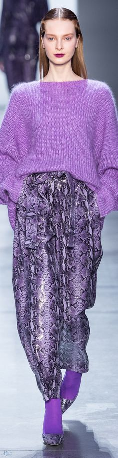 Sally LaPointe Fall 2019 Ready-to-Wear Fashion Show - Vogue Fashion 2020, Runway Fashion, Fashion Show, Womens Fashion, Fashion Design, Fashion Trends, Purple Outfits, Colourful Outfits, Modest Fashion