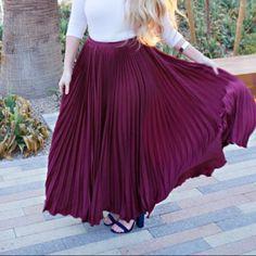 Maroons pleated maxiskirt Worn once Dresses