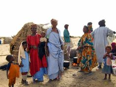 Preparation of communal meal for extended Tuareg family Out Of Africa, West Africa, Timbuktu Mali, Tuareg People, Desert Location, Desert Environment, Sword In The Stone, African Nations, St Helena
