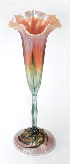 Louis Comfort Tiffany, Tulips In Vase, Hurricane Glass, Stained Glass, Glass Art, Studios, Mosaic, Deco, Crystals