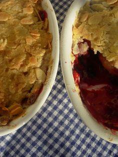 Crumble de maçã e frutos vermelhos