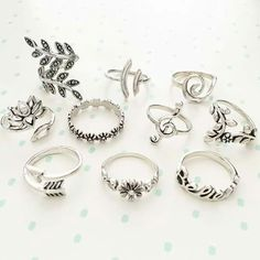 10 Jewelry Rings you will Like this Season. Hand Jewelry, Jewelry Rings, Silver Jewelry, Jewelry Accessories, Fashion Accessories, Jewlery, Silver Rings, Cute Rings, Pretty Rings