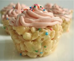 Cake Batter Rice Krispie Cupcakes - Oh yes.. Cake batter.. Rice Krispies. Cupcakes.. All in one :)