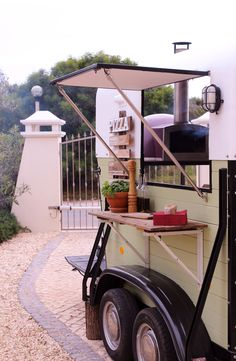 Little Kitchen Pizza Algarve - Gallery of past catering events, weddings and festivals. - The Little Kitchen Company Portugal Wedding Food Catering, Catering Food, Catering Events, Pizza Truck, Food Truck, Converted Horse Trailer, Camper Makeover, Catering Companies, Horse Trailers