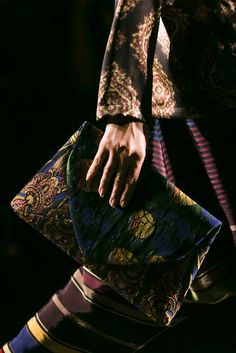 Dries Van Noten Spring 2015 – High Fashion / Ethnic & Oriental / Carpet & Kilim & Tiles & Prints & Embroidery.