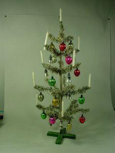 die besten 25 geschm ckter weihnachtsbaum ideen auf pinterest rot wei er christbaumschmuck. Black Bedroom Furniture Sets. Home Design Ideas