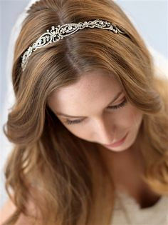 Love this Antique Silver Bridal Headband. Simple and elegant!