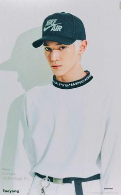 Esta todo tan blanco que lo veo solo por su gorra :'U Ahq (?)