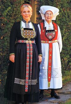 Hello all, Today I will cover the last province of Norway, Hordaland. This is one of the great centers of Norwegian folk costume, hav. Ethnic Outfits, Ethnic Clothes, Norwegian People, Norwegian Rosemaling, Afghan Clothes, Beautiful Norway, Folk Clothing, Scandinavian Fashion, Medieval Dress