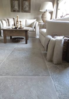 Castle Stones Distributor: www. Castle Stones, Interior Design Living Room, Living Room Decor, Flagstone Flooring, Natural Stone Flooring, Brick Loft, Kitchen Flooring, Interior Inspiration, New Homes