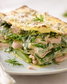 Ingredients: 4 pieces salmon fillet 12 sheets of pasta for lasagna 750 g green asparagus 2 tbsp - Parmesan cheese 2 tbsp. flour 3 tbsp - c Good Healthy Recipes, Healthy Foods To Eat, Seafood Recipes, Pasta Recipes, Salmon And Asparagus, How To Cook Fish, Saveur, Light Recipes, Clean Dinners