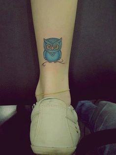 Adorable Ankle Tattoo Designs For Girls - Cute Ankle Tattoos for Women - Best Tattoo Ideas And Designs Owl Tattoo Design, Ankle Tattoo Designs, Tattoo Designs For Girls, Cute Ankle Tattoos, Ankle Tattoos For Women, Cute Small Tattoos, Cute Owl Tattoo, Owl Tattoo Small, Owl Tattoo Wrist