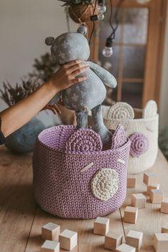 Crochet nursery basket pattern free. Step by step video tutorial how to make crochet bear basket.
