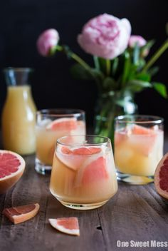 Bourbon Grapefruit Cocktail has some sweet, some tart, and a little bubbly. Bourbon Grapefruit Cocktail has some sweet, some tart, and a little bubbly. Bourbon Grapefruit Cocktail has some swe Ginger Ale, Summer Cocktails, Cocktail Drinks, Sweet Cocktails, Vodka Cocktails, Cocktail Mix, Martinis, Cocktail Shaker, Grapefruit Cocktail