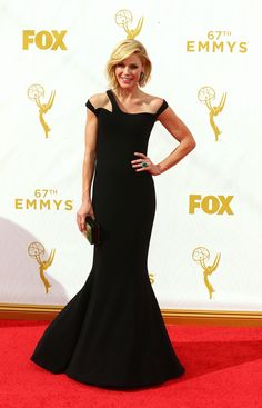 Julie Bowen in Georges Chakra Couture at the #Emmys2015