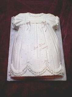 Very cute baptism cake idea Pretty Cakes, Cute Cakes, Fancy Cakes, Religious Cakes, Baby Christening, Girl Baptism, Baptism Gown, Mini Tortillas, Baby Dedication
