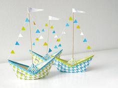 DIY-Anleitung: Papierschiff falten / crafting tutorial for paperboats, party decoration via DaWanda.com