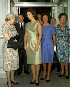 Mrs. Kennedy and former First Lady Mamie Eisenhower.