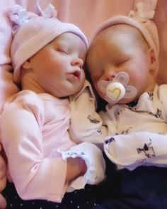 Baby Dolls For Kids, Newborn Baby Dolls, Baby Girl Dolls, Life Like Babies, Real Life Baby Dolls, Reborn Babypuppen, Custom Reborn Dolls, Silicone Reborn Babies, Silicone Baby Dolls